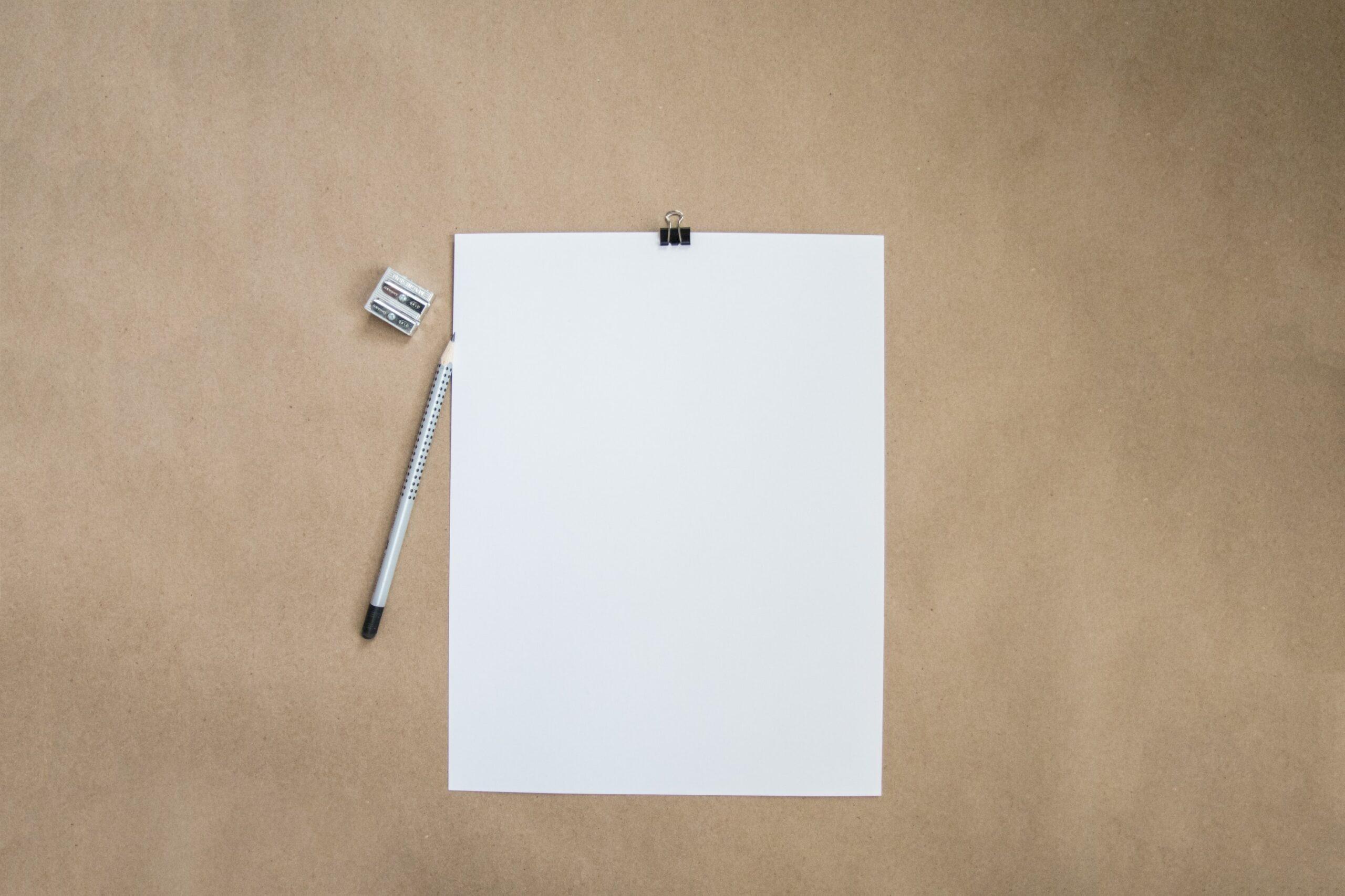 転職の履歴書を手書きで要求され何も書けない様子