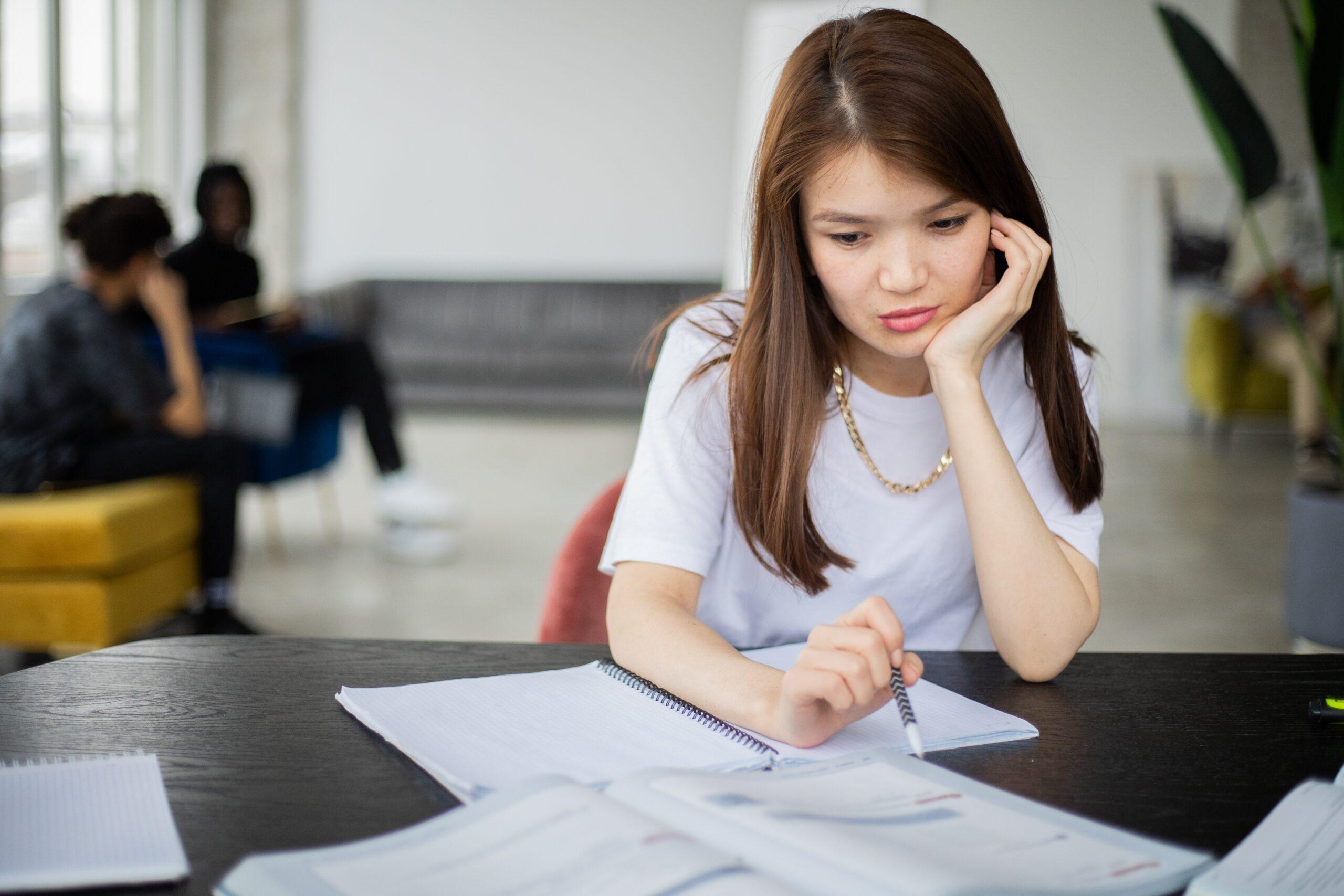転職活動が会社にばれる原因と対処法をわりやすく解説
