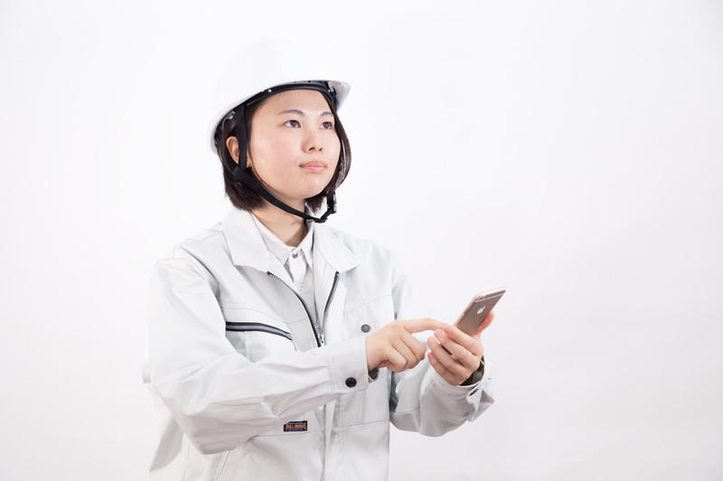 製造業に未経験から転職するコツを理解した女性