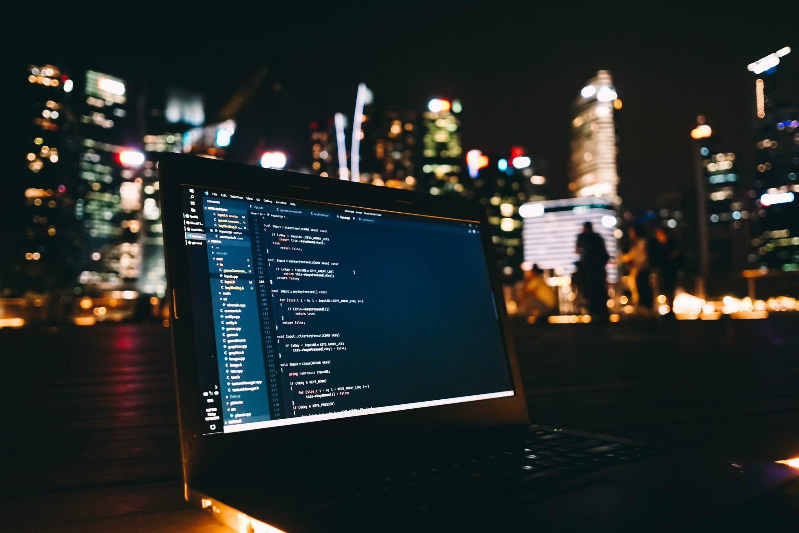 IT業界への転職を成功させるために夜にプログラミング勉強中