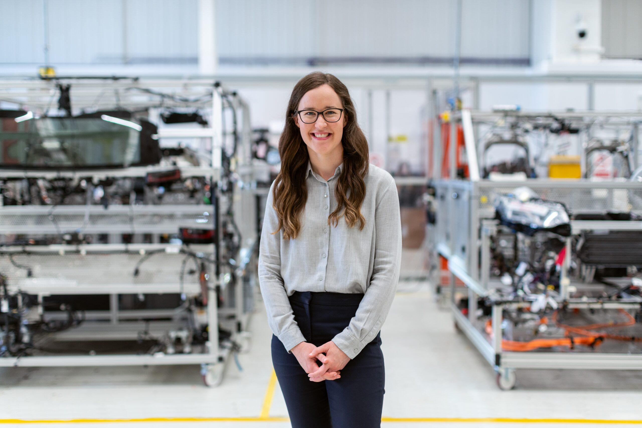 これから伸びる製造業で働く女性